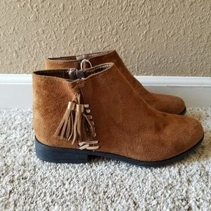 Shoes - NWOT Women's Ankle Boots